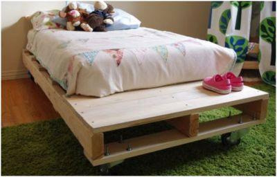 Bedden zelf maken pallets steigerhout en buizen for Bed van steigerhout maken